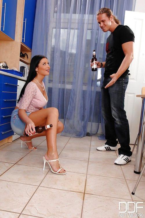 Latina mature Christina Jolie is wanking this dick using her legs