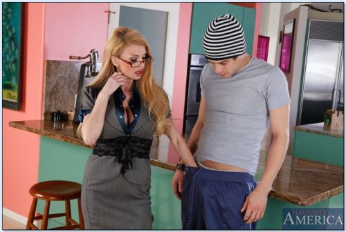 Mature teacher in stockings Taylor Wane fucks and sucks massive dick